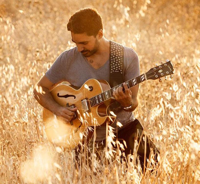 Miguelo Delgado sesión de fotos para Luz 2.0
